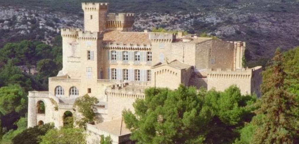 parmis nos partenaires : château de la barben entretien jardins